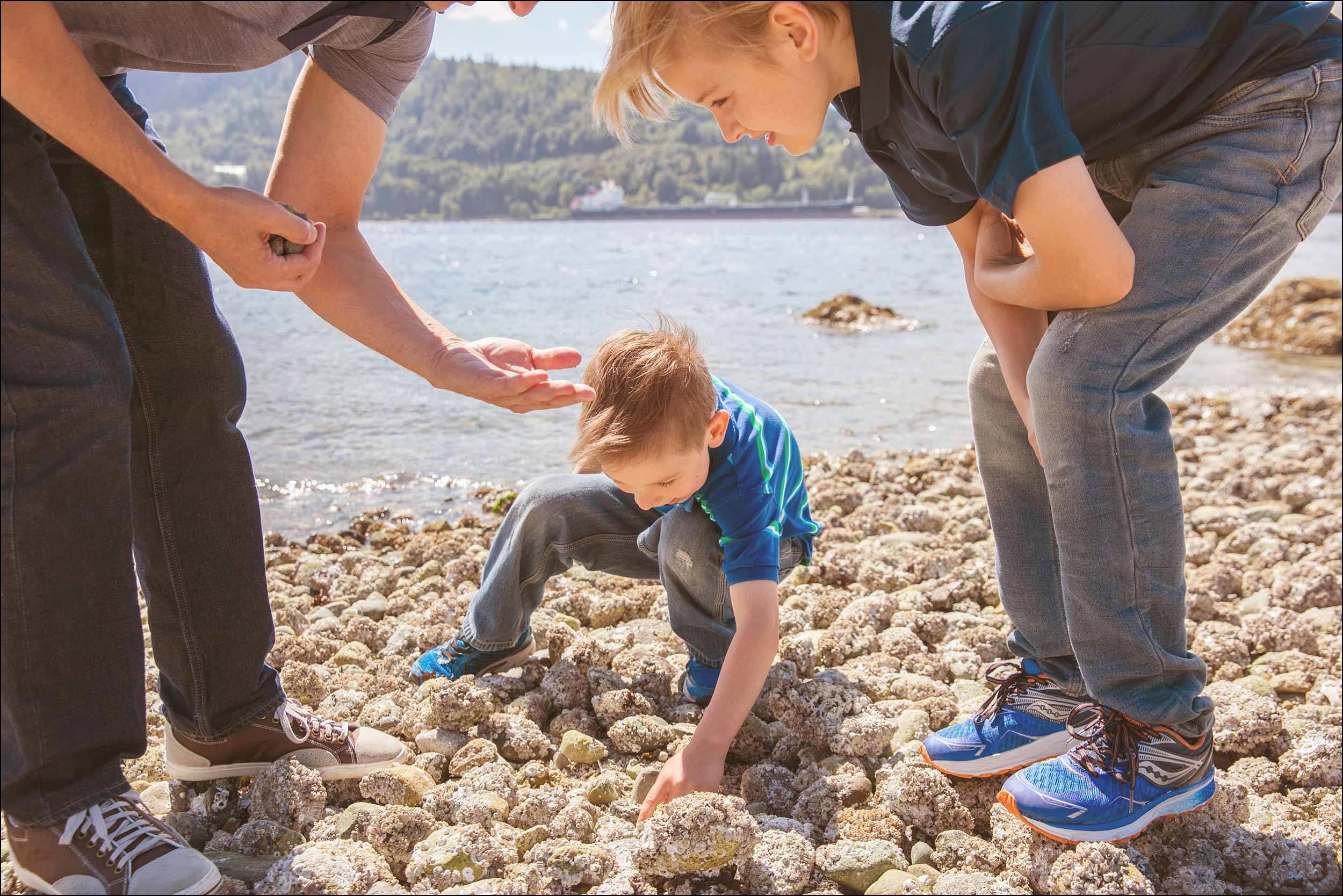 Beachcombing in North Vancouver for a family photo session